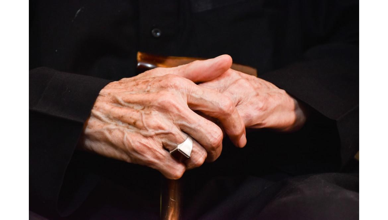 La Maladie de Parkinson : environ 200 000 personnes atteintes en France